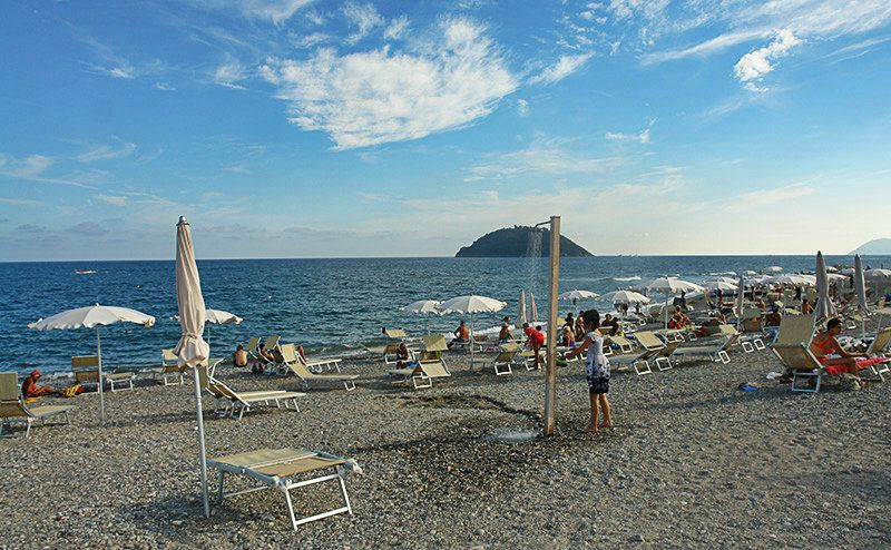 A wonderful view of the beach in Albenga