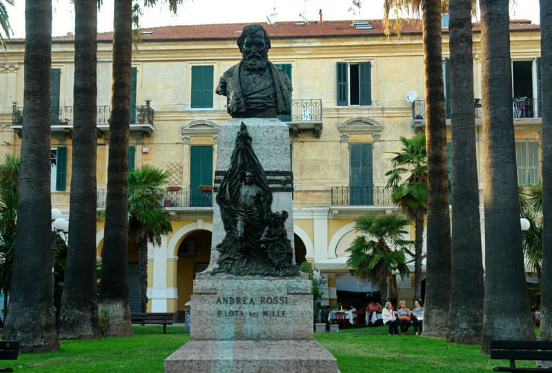 A sculpture of a square in Diano Marina
