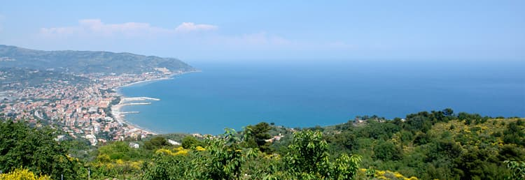 The Villetta Meravigliosa holiday home with a wonderful sea view overlooking the Ligurian coast