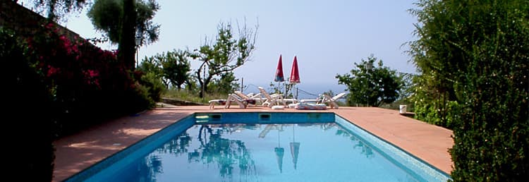 An exclusive holiday home with a wonderful pool for the whole family in Liguria