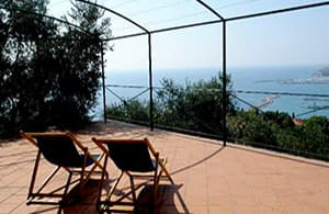 Holiday home with a fantastic sea view overlooking the Ligurian coast
