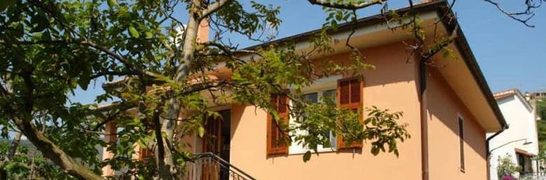 Big holiday home, Casa Campagnola, for the whole family in Liguria