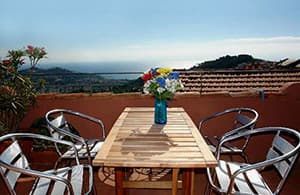 Ligurian holiday house, Casa delle Stelle, with a sun terrace and a unique sea view