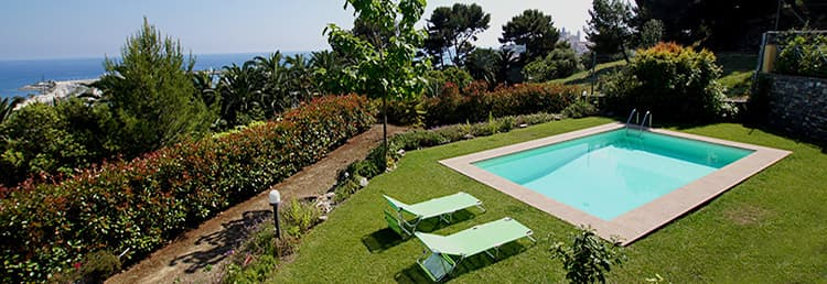 Villa Paradiso holiday rental with a private pool and sea view in Liguria