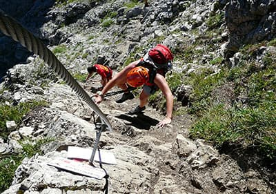 Learn mountain climbing and enjoy outdoor sport during your holidays in Liguria