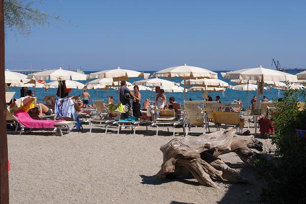 Bagni Blu Beach Vado Ligure : Best beaches in liguria italy