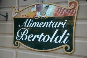 Alimentari Bertoldi Grocery store in Liguria