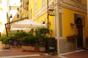 The Black Horse Café Restaurants in Liguria