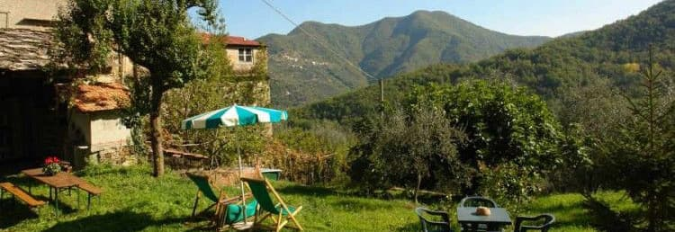 Agriturismo in Liguria's hinterland with a big garden and in a quiet location