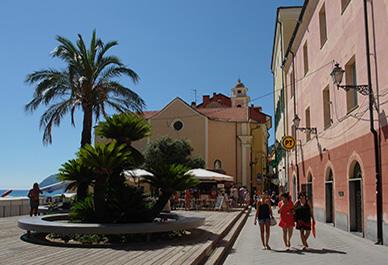 Delightful lanes in Alassio