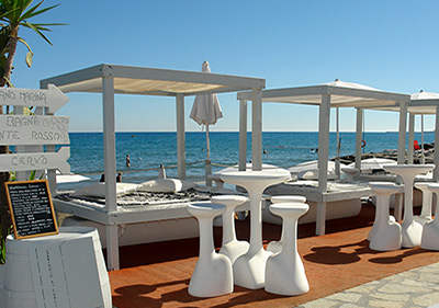 Restaurant by the sea in Diano Marina