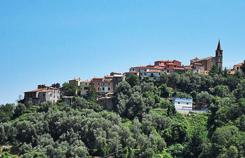 Een mooi uitzicht op een vakantiebestemming Valloria