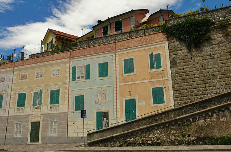 Een prachtig uitzicht over de huizen in Casarza Ligure