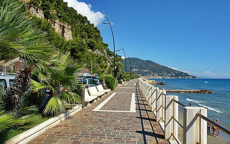 Een promenade van Laigueglia