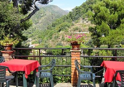 Restaurant in Liguria next to the mountains