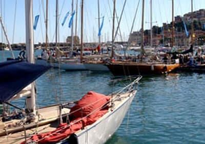 Voiliers en Porto Maurizio port pour Vele d'Epoca