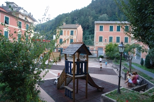 Spielplatz in Borzonasca Playground in Liguria