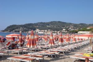 Bagni Delfino Beaches in Liguria