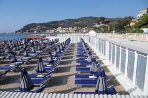 Nettuno*** Beaches in Liguria
