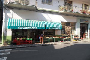 Alimentari da Gianna & Angelo Grocery store in Liguria