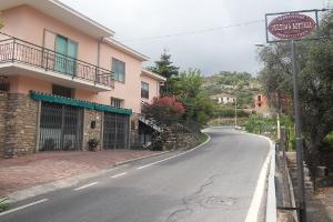 Alimentari da Manola Grocery store in Liguria