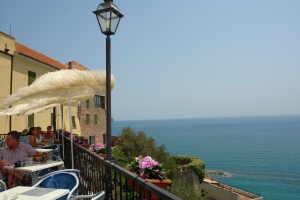 Serafino Cafes in Liguria