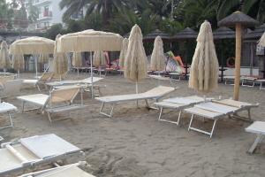 Bagni Ponterosso Beaches in Liguria