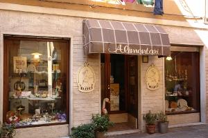 Alimentari F. Ui Parmiggiani Grocery store in Liguria
