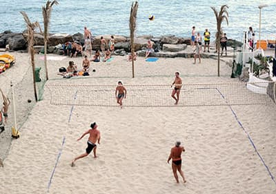 The best sandy beach in Liguria for playing volleyball