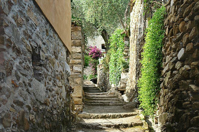 A romantic street in Diano Roncagli