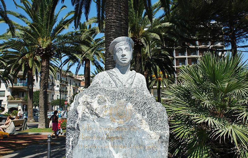 A sculpture in a park in Pietra Ligure