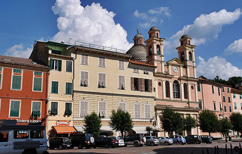 The lovely old town of Varese Ligure